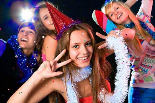 Новогодняя Ночь в клубе Колесо
